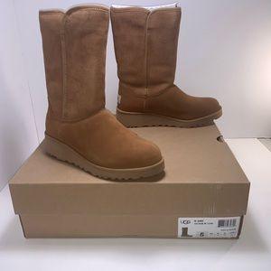 UGG Women's Amie Winter Boot Chestnut